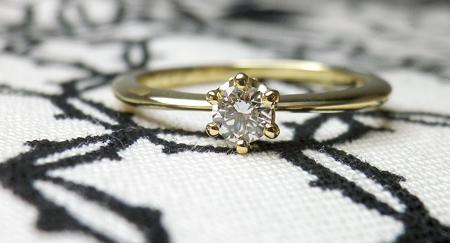 ミルククラウン婚約指輪