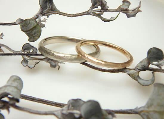 シャンパンゴールドとピンクゴールドの結婚指輪