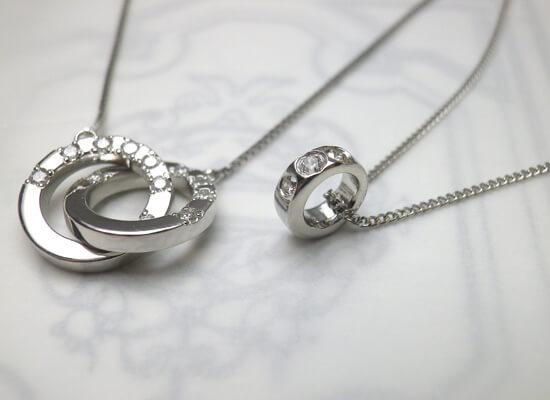結婚指輪からお作りしたダイヤネックレス