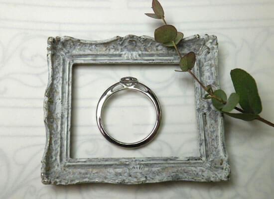 ダイヤモンドリングのサイドのデザイン