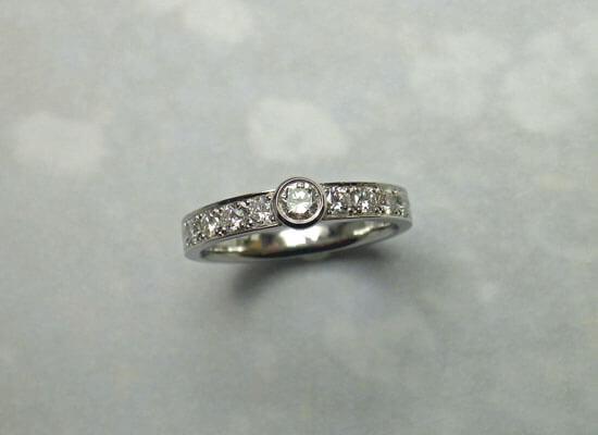 ダイヤモンドの指輪のジュエリーリフォーム