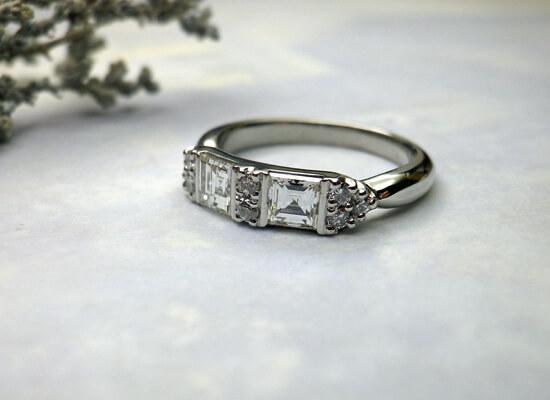 角ダイヤの婚約指輪へジュエリーリフォーム