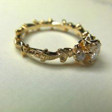 婚約指輪|ルレ 文字の彫刻