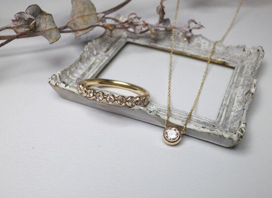 イエローゴールドのダイヤモンドセットジュエリー