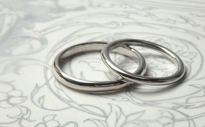 プラチナのシンプルな結婚指輪
