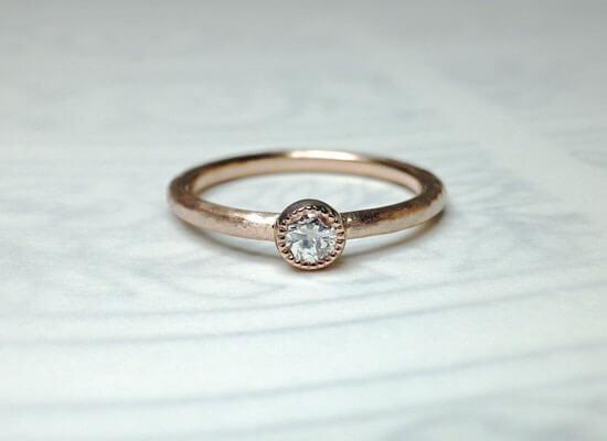 ミル打ちのダイヤモンドリング