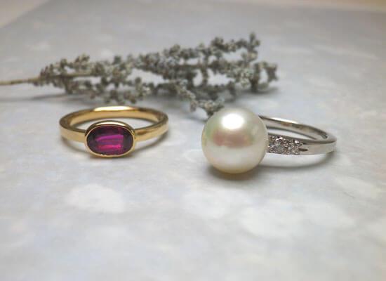 ルビーの指輪と真珠の指輪