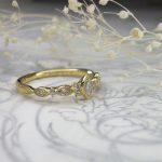 マーキスカットのダイヤモンドリング